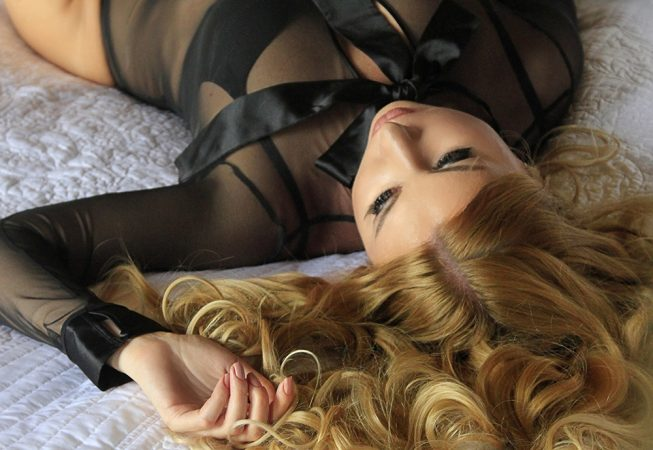 Boudoir Photography sessions with a female photography in Florida